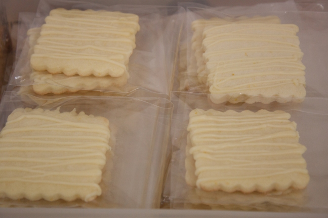 Citrus shortbread with white chocolate
