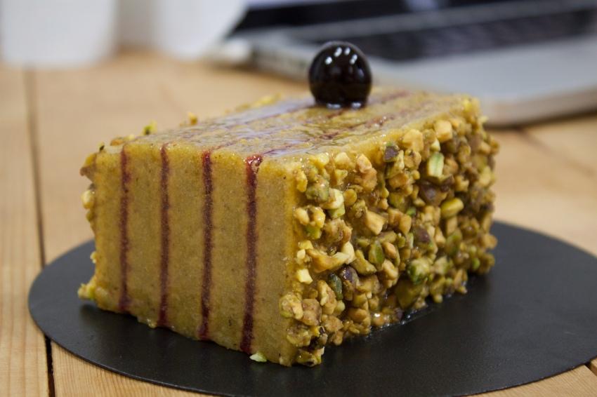 pistache_amarena_cherry_cake (1 of 3)