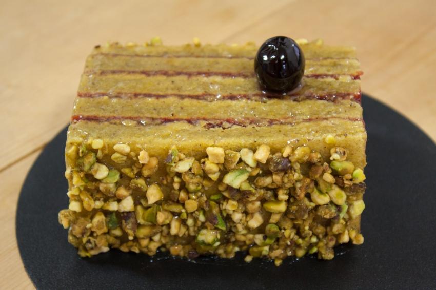 pistache_amarena_cherry_cake (2 of 3)